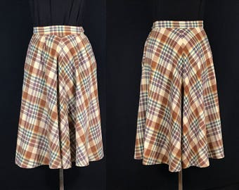 Vintage skirt. Plaid wool with lining, size XS to S. Very MCM (midcentury modern)!