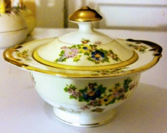 Vintage Sugar Bowl Flowers Bouquet Desing Ritch Gold Rim Made in Japan