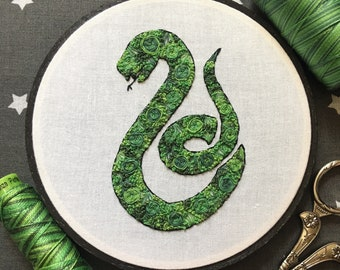 Floral Pop Slytherin Hogwarts House Hand Embroidery - Original 5 inch Needlework Harry Potter Fan Art