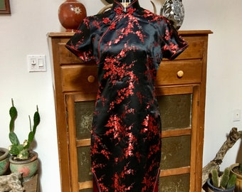 Black and red vintage cheongsam/pinup dress