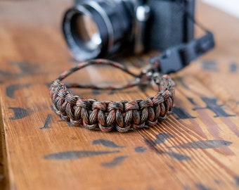 Camera Wrist Strap – Fall Camo / Gunmetal Clip – apmots - Sling Paracord Handmade - Camoflauge DSLR Compact Mirrorless Photographer