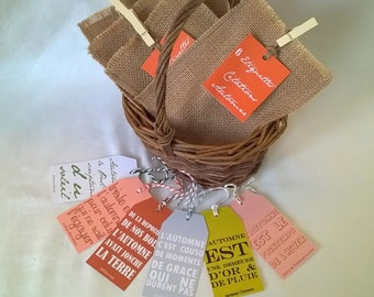 6 labels quotes on autumn in a burlap bag