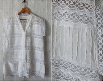 Women's Vintage 70s White Cotton Lace Pintuck Pleated Short Sleeve Button Down Semi Sheer Blouse with Pockets // Size M L