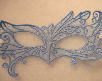 Fairy Eyes Lace Mask in Blue