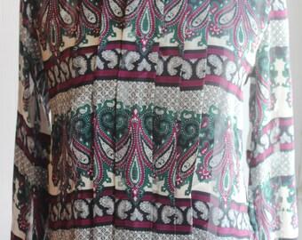 Vintage Nicola Paisley Print Blouse Long Sleeve Shirt Paisley Print Size 6 Pleated Front Ladies Green Burgundy Print Women's Top