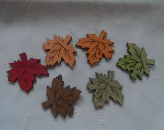 set of 5 natural wooden 5 fall themed maple leaf embellishments
