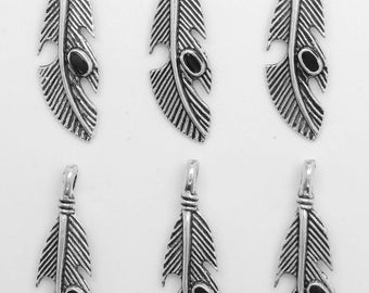 6 charms feathers adorned with antique silver metal with an enamel bc206 Medallion