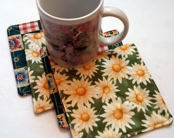 Fabric Coasters Daisy Flower Drink Coasters Beverage Coaster Set of 4 Reversible Coaster Shower Gift House Warming Gift