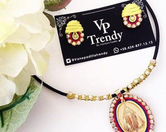 Venezuela soutache, zarcillos y collar de venezuela con virgen milagrosa, Necklace The Virgin of Miracles, Venezuelan Necklace earrings