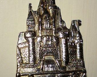 LAST CHANCE! Collectible Walt Disney productions souvenir Fork, magical kingdom depiction,woven handle design,