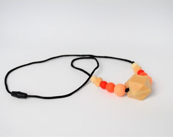 Silicone teething necklace natural wood chunky hexagon sensory necklace Breastfeeding necklace