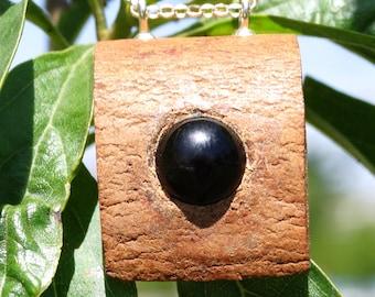 Collar y colgante de canela con esfera de obsidiana en plata de ley