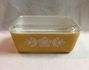 Vintage Pyrex 1.5 pt Refrigerator Dish with Lid - Gold Flower (#081)