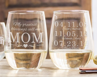 Mom Wine Glass, Gift For Grandma, Mom Gift, Personalized Gift, Mommy Gift, Etched Wine Glass, Stemless Wine Glass, Custom Wine Glass