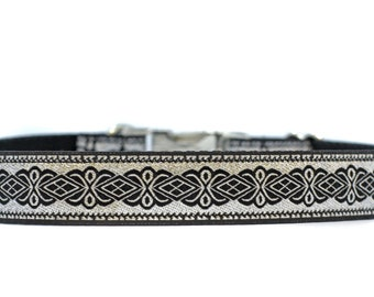 1 Inch Wide Dog Collar with Adjustable Buckle or Martingale in Silver Star