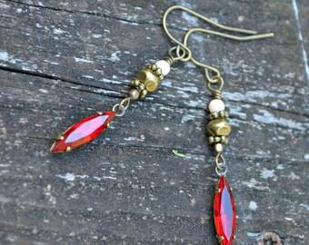 Boucles d'oreilles de joyau écarlate avec cadeau à la main Vintage charme de verre et perles de verre perle tchèque