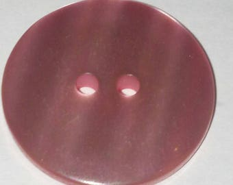 bright 28 mm vintage resin button