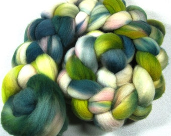 10% off! Sedum 2 Falkland Wool Top for spinning and felting (4 ounces)