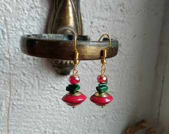 Ethnic earrings chic red, green and gold