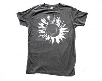 Organic Tshirt - Guys / Unsiex T-SHIRT SUNFLOWER - Organic Cotton - Clothing -  XS, Small, Medium, Large, Extra Large, 2X