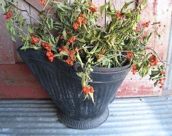 Antique Black Metal Coal Bucket With Wire Handle Farmhouse Garden Vintage Decor