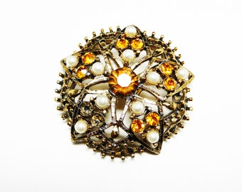 Vintage Round Brooch - Classic Star Flower with Faux Pearls & Topaz Glass - Domed Autumn Gold Colored Jewelry