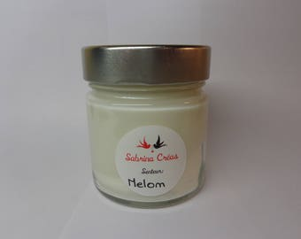 Melon scented soy vegetable wax.
