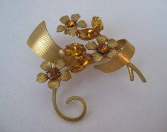 Golden Amber Twinkle Flowers - vintage brooch