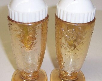 Jeannette Glass FLORAGOLD LOUISA Salt and Pepper SHAKERS