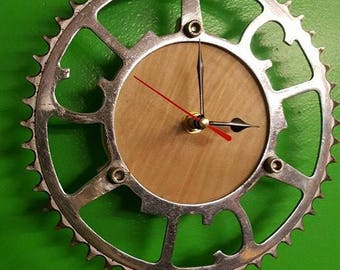 Upcycled bicycle chain ring CLOCK