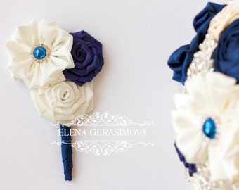 boutonniere for ivory navy blue bouquet
