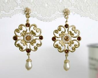 Gold Floral Earrings - Crystal and Pearl Bridal Earrings - Bridal Crystal Earrings - Gold Bridal Earrings  - Wedding Eaarings