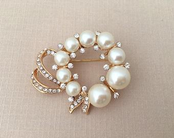 Gold Wreath Brooch.Rhinestone Pearl Brooch.Bridal Brooch.wedding dress Brooch.Pearl Wreath Brooch Pin.Circle.Wreath Broach.Rhinestone broach
