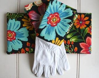 Magic Garden Gardeners Giftset Kneeling Pad & Gloves - Garden Gloves, Green Thumb, Bright, Floral, Colourful, Black, Gift for Girlfriend