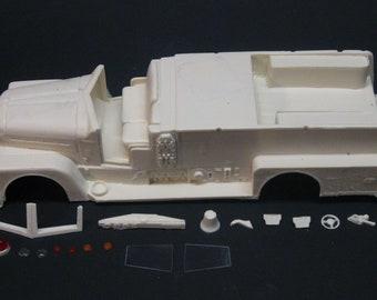 1:25 scale model resin 1957 Seagrave Open Cab Pumper conversion kit