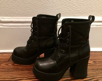 90s Chunky Combat Boots Size 8