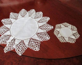 vintage tablecloths,hand crocheted,crocheted lace