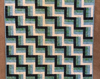 Rail Fence Crib Quilt in Blues and White