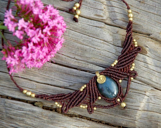 Macrame Necklace Mod. Izar with MAGIC LABRADORITE, talisman necklace, yoga necklace, stone amulet, talisman, goddess necklace, nickel free
