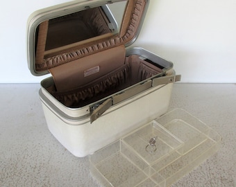 Spotless w /Tray and Key White Train Case Samsonite Silhouette Makeup Suitcase with Cosmetic Tray