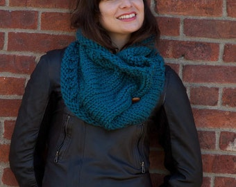 Beginner Knitting Pattern Cowl Infinity Scarf - Easy Simple