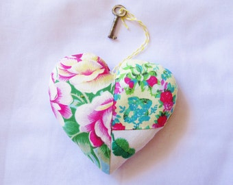 Boho Chic Heart Ornament Floral - Rustic Botanical Shabby Bohemian Patchwork - Valentine's Day Skeleton Key Vintage - Homewares Door Hanger