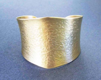On Sale : Hammered Gold Cuff Bracelet in Solid Brass Textured Metal Artisan Handmade Modern Jewelry by Seventh Willow