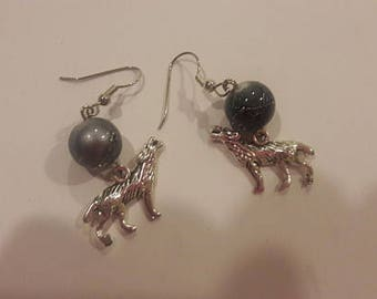 Wolf charm with large gray bead