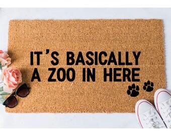 Zoo in Here Doormat - Dog Doormat - Funny Doormat - Funny Doormats - Welcome Mat - Goldendoodle Doormat - Funny Mat - Cat Doormat - Door Mat