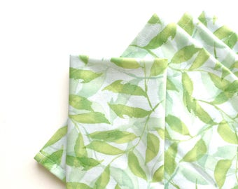 Large Cloth Napkins, Set of 4 - Tranquil Leaves, Green and White, Modern, 100% Cotton