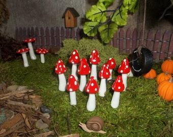 40 mini mushrooms High Quality Free Shipping miniatures for fairy gardens moss terrarium woodland garden
