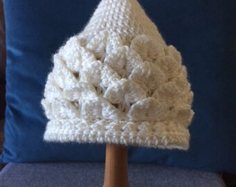 Crochet Pixie Hat 0-3 months in Ivory wool