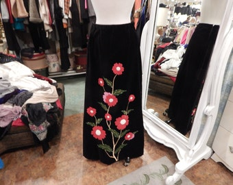 1960 Long skirt with big bold flowers red & pink