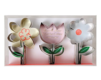Spring Flower Cookie Cutters - Set of 3 Meri Meri Cookie Cutters  with different flower shapes- Great for spring parties!